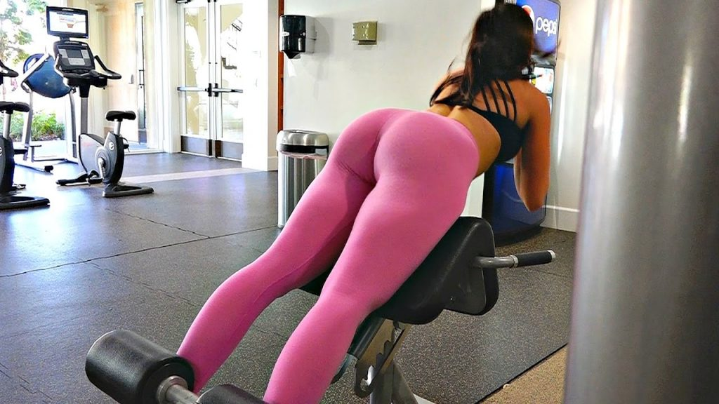 exercises on the ass in the gym